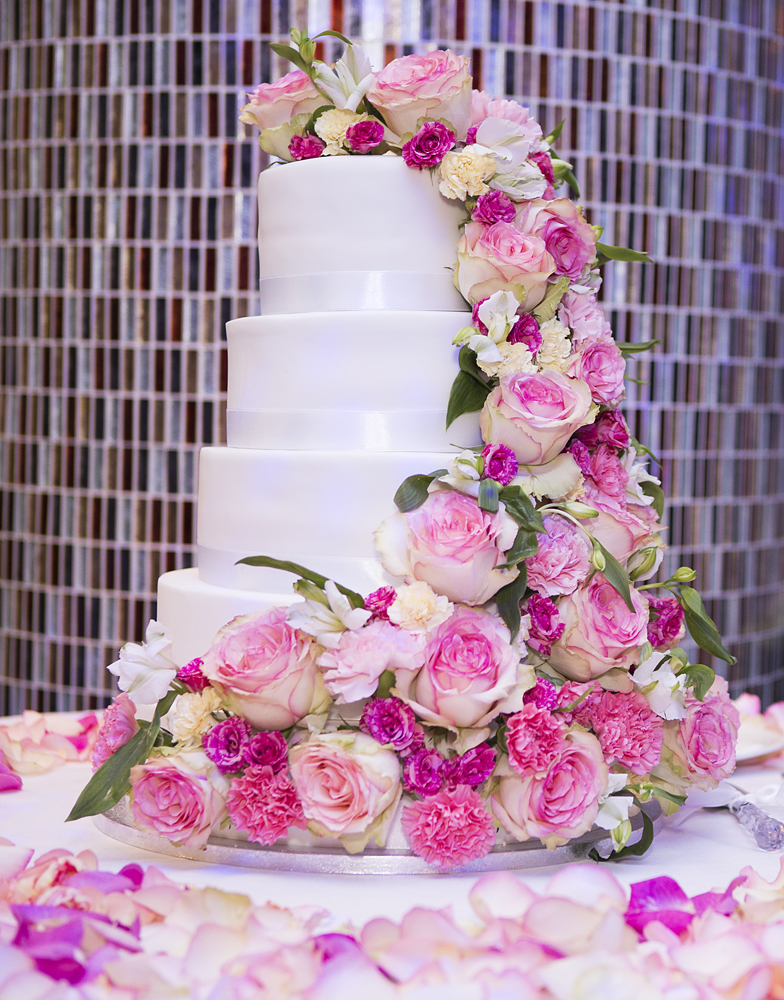 ana gely photography female asian wedding photographer premier banqueting venue cake