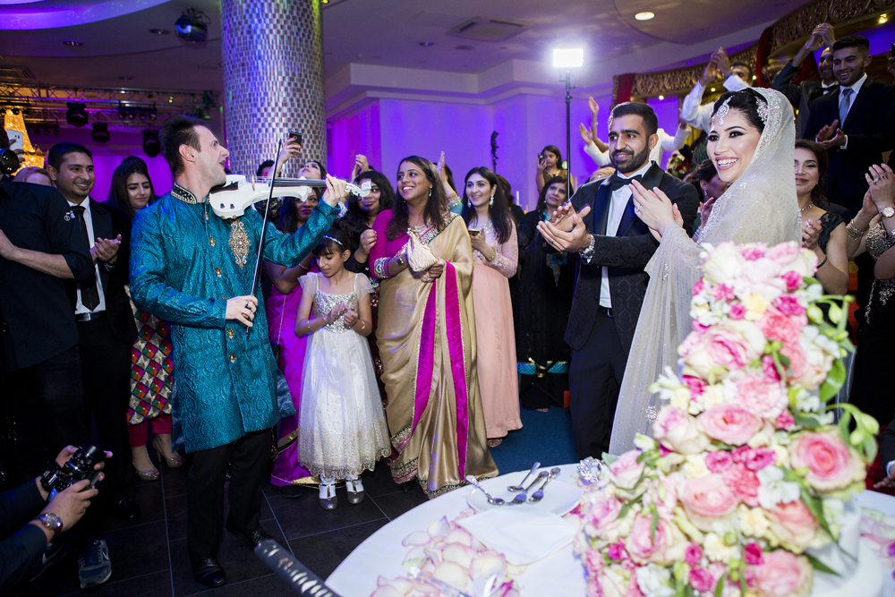 ana gely photography female asian wedding photographer premier banqueting cake violinist