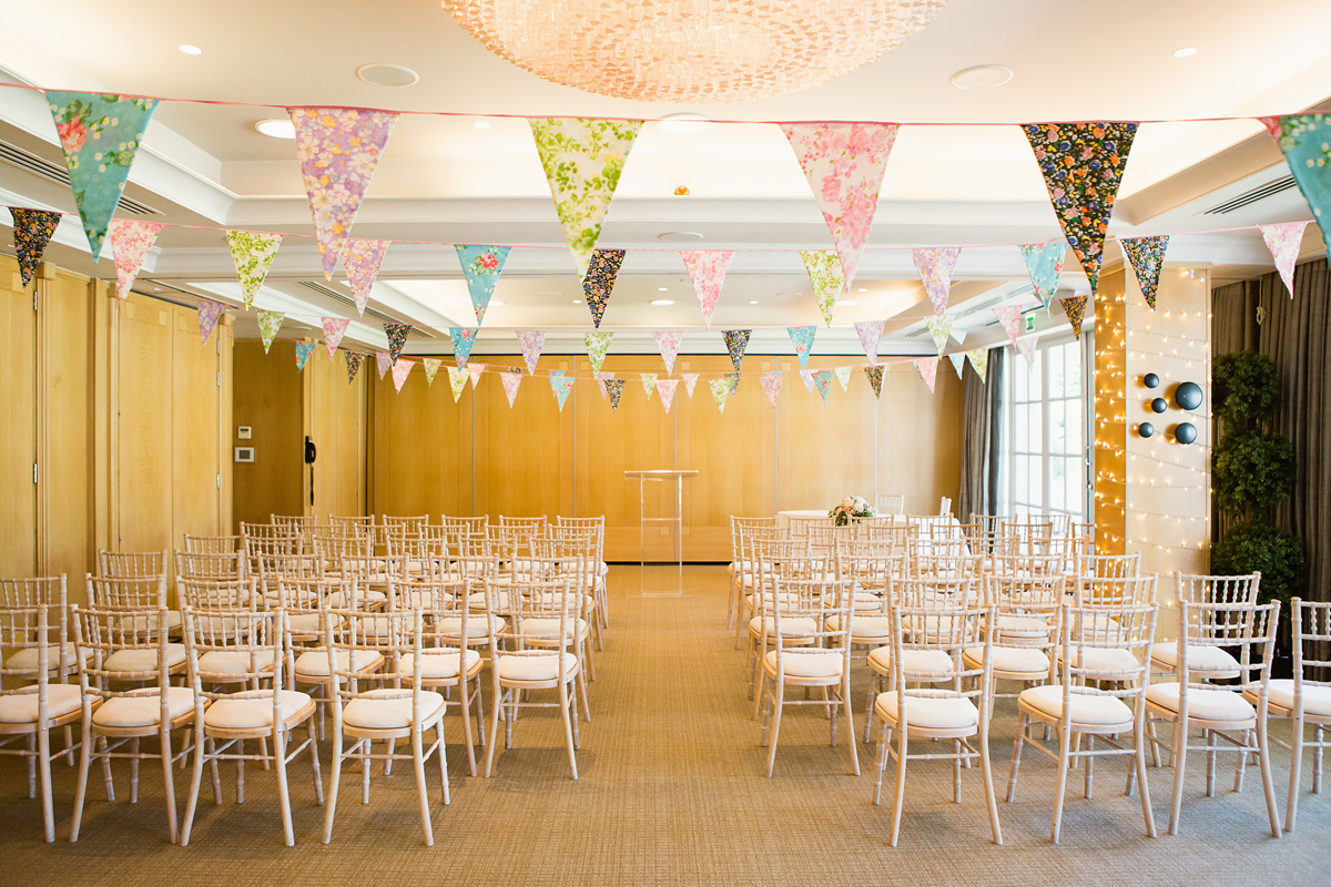 ana gely wedding photography photographer london runnymede on thames ceremony room decor