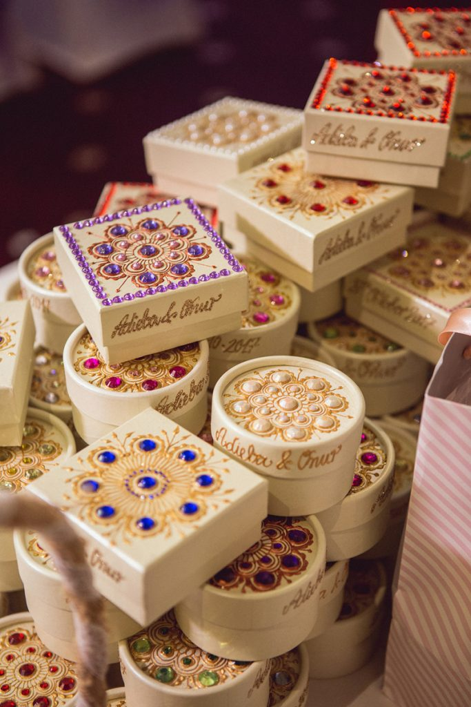 ana gely photography female asian photographer london the decorium turkish afghan autumn wedding favours boxes